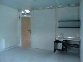 Inclusief pantry met warm water voorziening